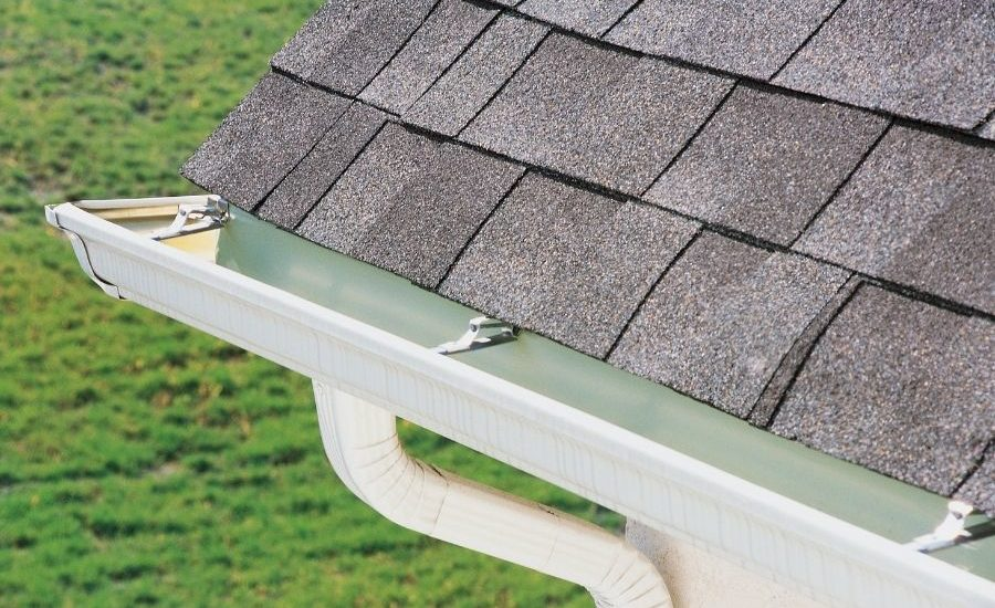 How To Properly Clean Out Your Gutters in Dearborn Michigan