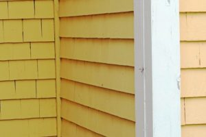 Warning Signs That You're Hiring the Wrong Siding Contractor in Downriver Michigan